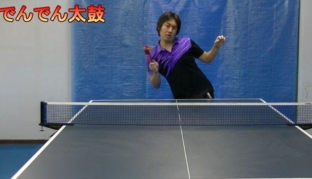 【動画】 音が出るヘンなモノで卓球をする日本人の映像が海外で話題w!!