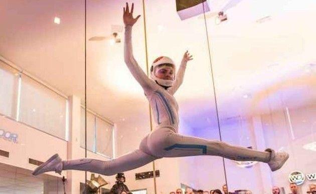 インドアスカイダイビングの妙技