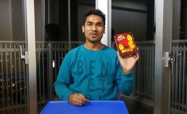 インド人にもっと辛いペヤングを食べて貰った