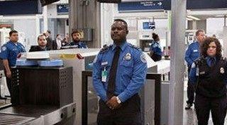空港の手荷物検査で見つかった武器