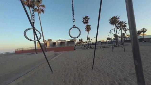 サンタモニカのビーチをドローンで