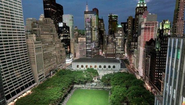 NYのビルの朝と夜