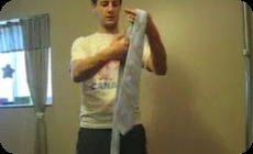 5秒でネクタイを締める方法HOWTO (1)