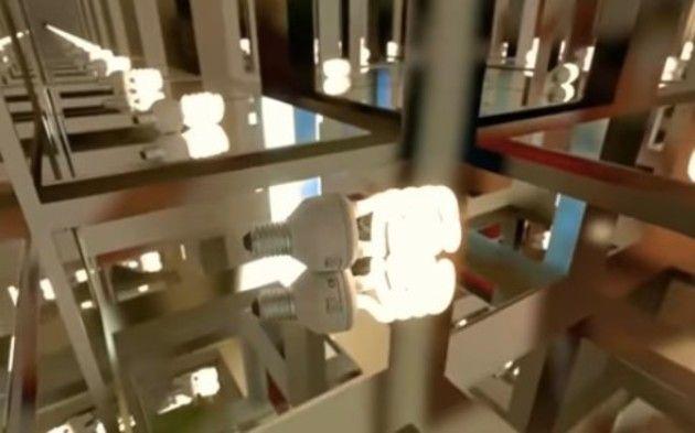 全面鏡張りの部屋の見え方