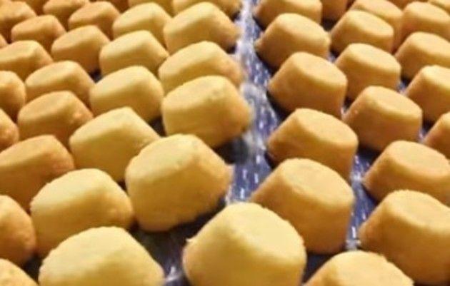 お菓子の製造工場