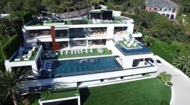 「カリフォルニアに完成したお値段280億円の超豪邸がこちらです。」 ほか