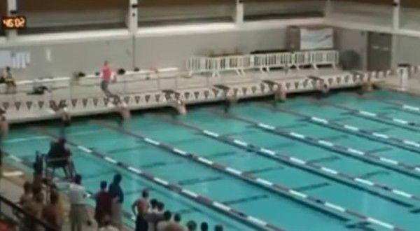背泳ぎは水中にいた方が早い世界記録