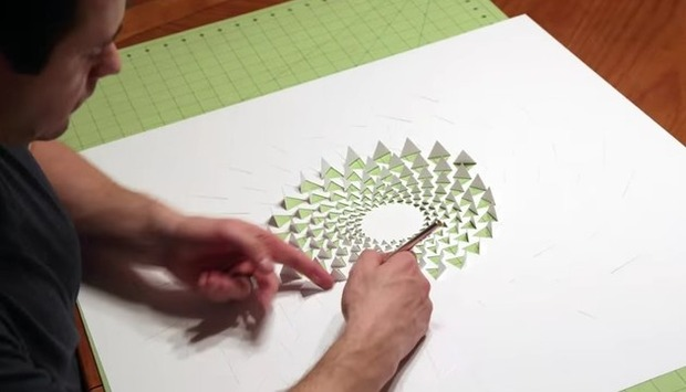 紙の立体アートと切り絵