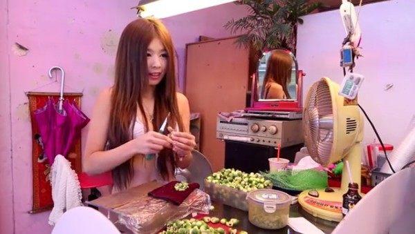 台湾のビンロウ売りの動画の画像