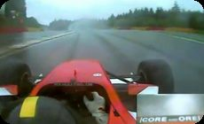 F1ドライバーの動体視力!寸前で避ける (1)