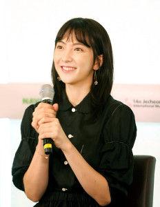 【芸能】女優の知英(24)「日本ですごく応援して頂き、それが力になりました」…韓国・チェチョン国際音楽映画祭で舞台あいさつ