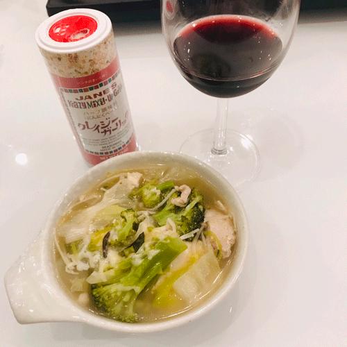 ワインと鍋クレイジーガーリック