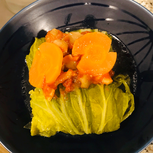 コンソメロール白菜トマトソース掛け