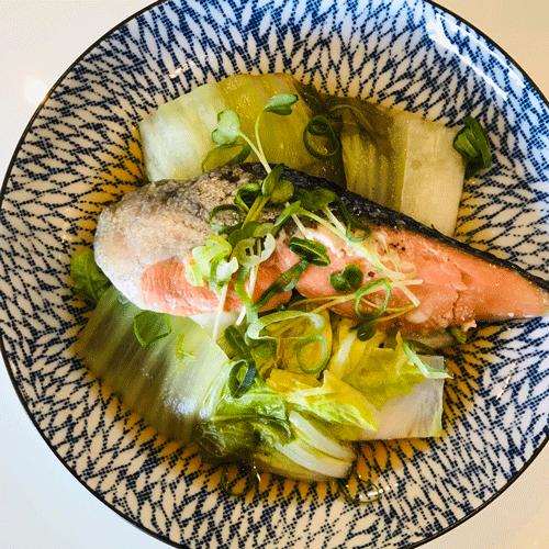 鮭と白菜レンチン蒸し焼き