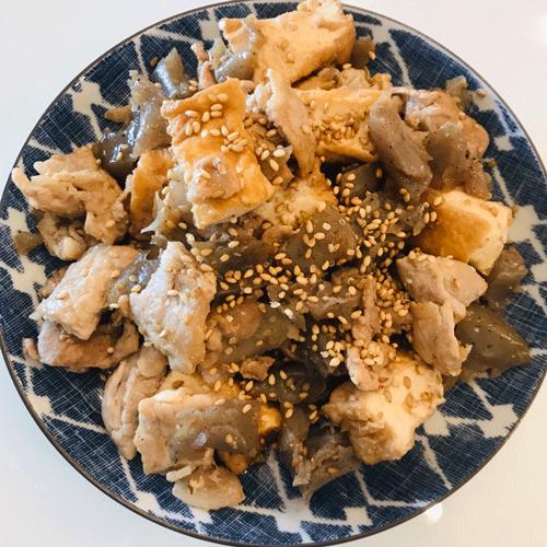 コンニャク厚揚げ豚肉甘辛煮