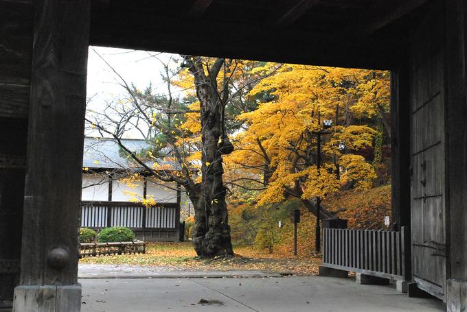 弘前公園東内門