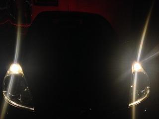 夜間の車幅灯点灯
