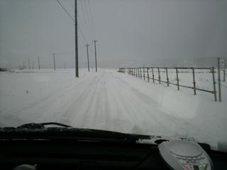 農道雪景色