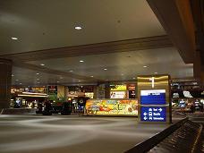 マッキャラン国際空港 バックエイジクライム