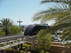 ラスベガス エクスカリバーホテル〜ルクソールホテル〜マンダレイベイホテルをつなぐ無料トラム