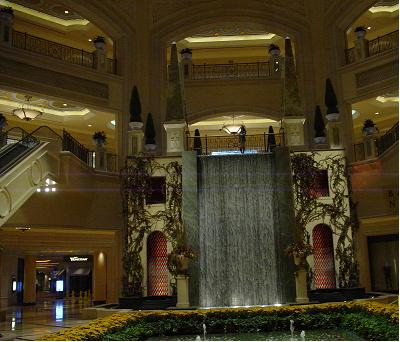ラスベガス パラッツオホテル 滝
