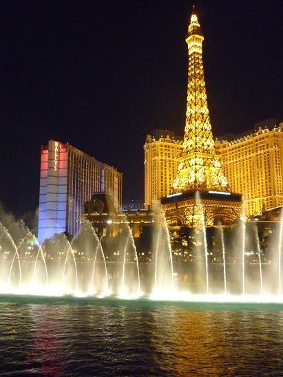 ラスベガス パリスホテル ベラッジオ側からみたエッフェル塔