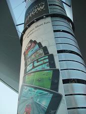 ラスベガス ファッションショー アップル壁広告
