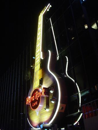 ラスベガス ハードロックカフェ ギターネオン