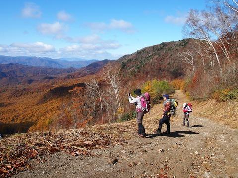 027 あの奥の山は浅草岳あたり。