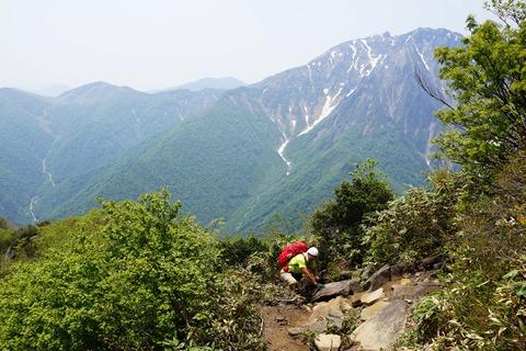 064 谷川岳と和尚。