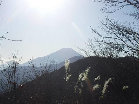 065 この時間の富士山はシルエット。