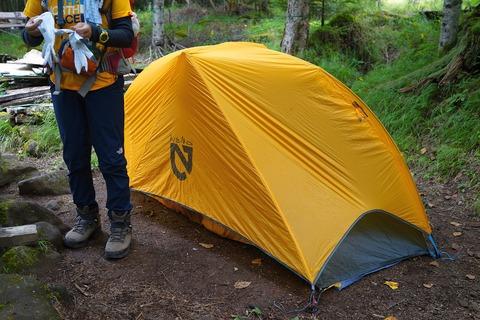 011 テント設営終了。