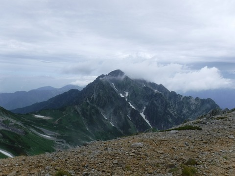 048 剱岳が姿を現した。