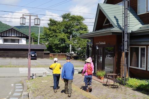 085 八千穂駅から散策開始。