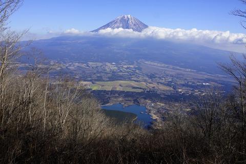 025 田貫湖と富士。