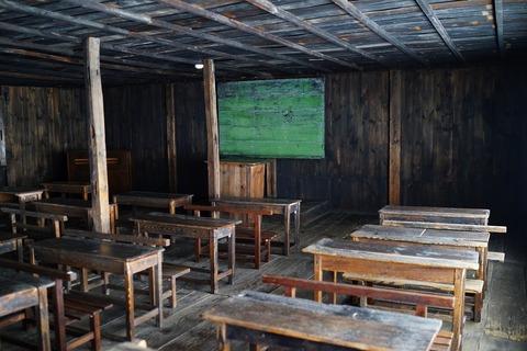 067 教室。