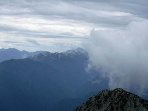 084 槍ヶ岳も見えた。