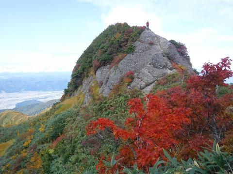 133 釈迦岳。