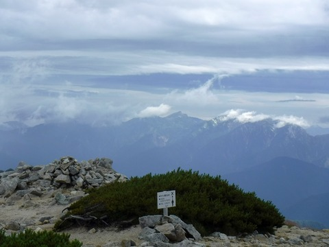 053 一番奥が白馬岳。