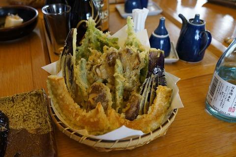 65 野菜天ぷら盛り合わせ。
