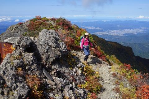 144 ひろちゃんは大日岳到着。
