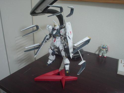 MG 1/100 RX-93 vガンダム Ver.Ka がお出まし