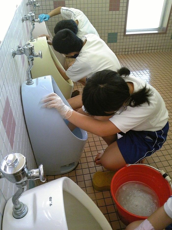 http://livedoor.blogimg.jp/hisabisaniwarota/imgs/1/2/127b734e-s.jpg