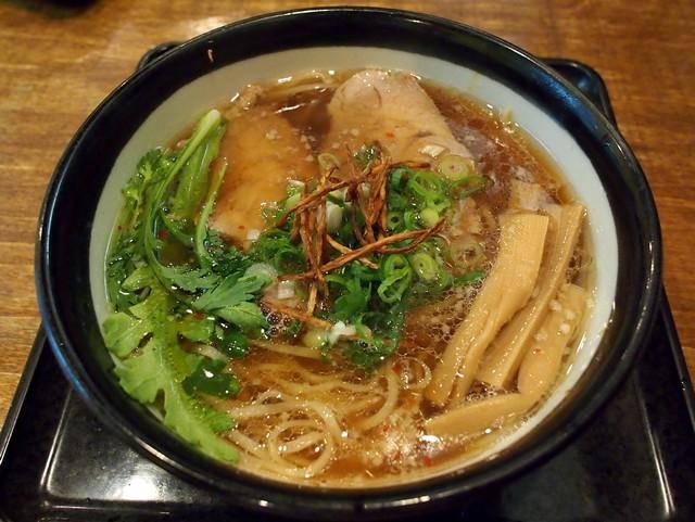 大阪のラーメン→出汁が効いてて激旨 東京のラーメン→濃厚なだけで出汁が効いてない 味障の食べ物