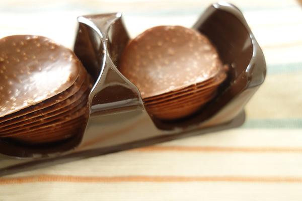 コストコで買ったもの、チョコレート・プロポリスのど飴、ティッシュ