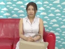ハーフ巨乳人妻が草食系男子の恋愛相談になってセックスまでしちゃう!