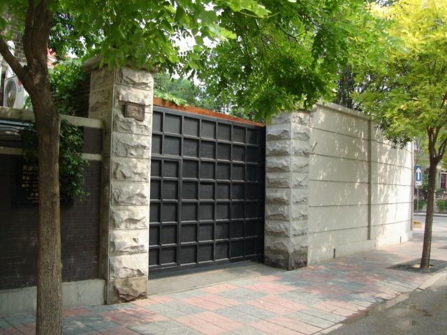3.范漢旧居の入口門