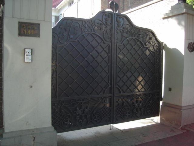 2.入口門と住所表示