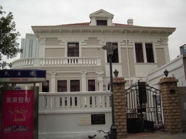 7.左隣の建物