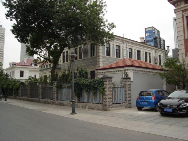 4.張廷愕旧居右側